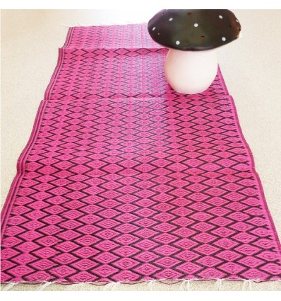 tapis plastique tr ss rose toiles blanches m fdp inclus pictures to pin on pinterest. Black Bedroom Furniture Sets. Home Design Ideas