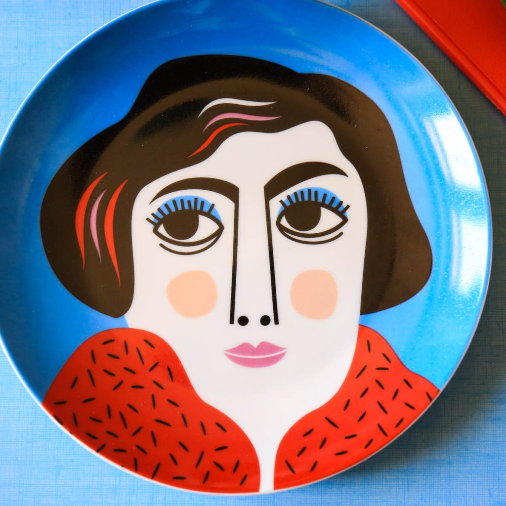 assiette portrait par Ingela P Arrhenius kitsch kitchen