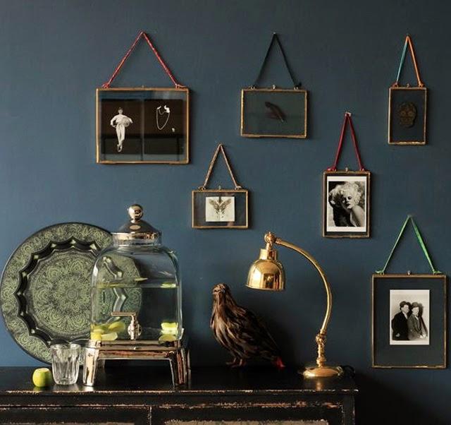 comment exposer ses affiches ses belles cartes ses. Black Bedroom Furniture Sets. Home Design Ideas